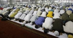 namaaz_muslims_prayer_mosque